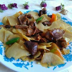 素炒松蘑土豆片
