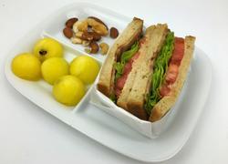 培根生菜番茄三明治