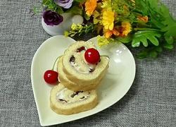 双莓蛋糕卷