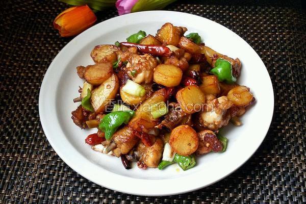 香辣土豆炒鸡块