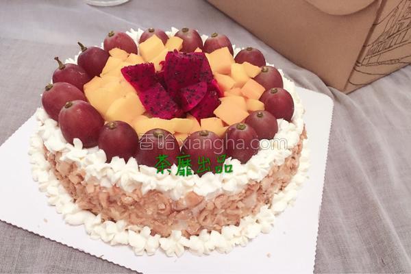 酸奶花生水果生日蛋糕