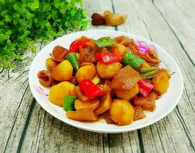 小土豆烧猪皮[图]