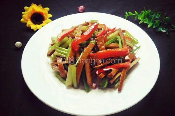 彩椒芹菜香干