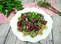 韭菜绿豆芽炒猪红