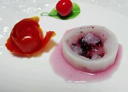 蓝莓浇汁白萝卜