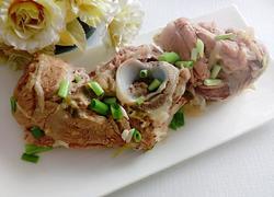猪大骨炖酸菜