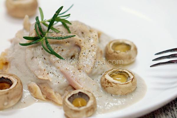 低脂奶油蘑菇酱配鸡腿肉