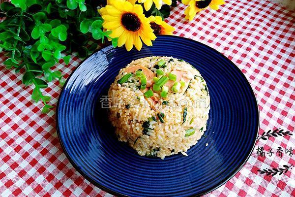 火腿肠炒大米饭