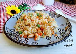 鸡肉丁炒大米饭