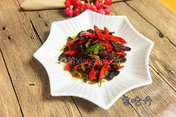 红辣椒炒腊牛肉