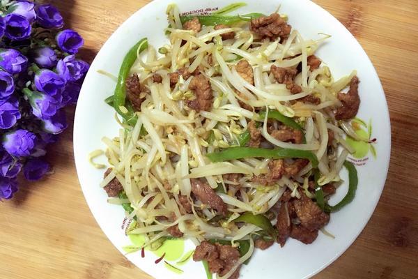肉炒绿豆芽