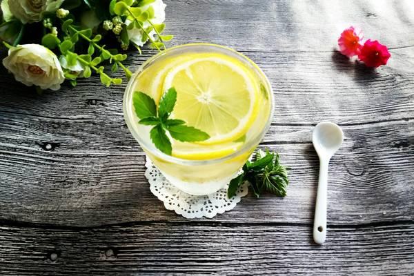蜂蜜薄荷柠檬水