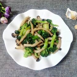 西兰花炒蟹味菇