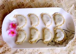 花边水饺(槐花猪肉馅)
