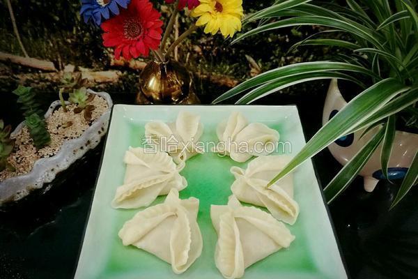 茴香馅蝴蝶花式蒸饺