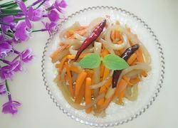 胡萝卜炒猪皮