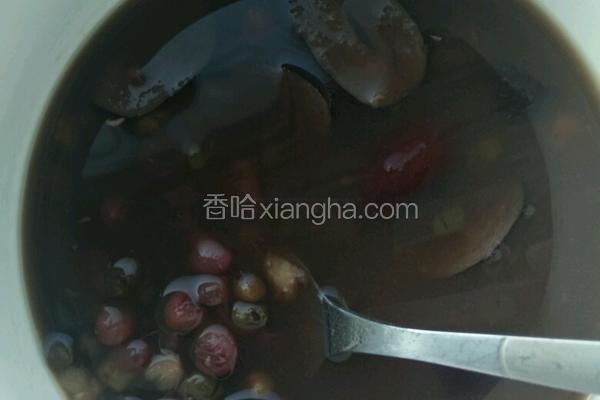 红豆绿豆瘦身粥做法_红豆绿豆红枣粥的做法_菜谱_香哈网