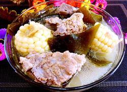 排骨炖玉米海带汤