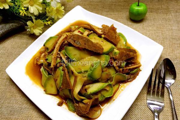 牛肉香干炒西葫芦
