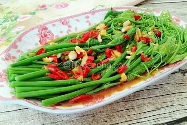 红辣椒拌龙须菜