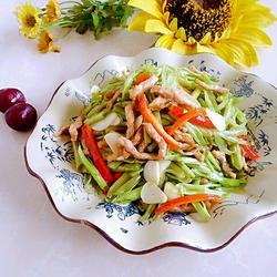 竹叶菜杆炒肉丝