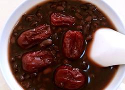 黑豆黑米红枣粥