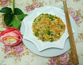 菜椒胡萝卜蛋炒饭