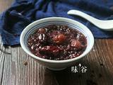红枣桂圆黑米粥的做法[图]
