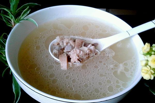 墨鱼猪肚排骨汤