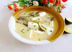 泥鳅炖豆腐汤
