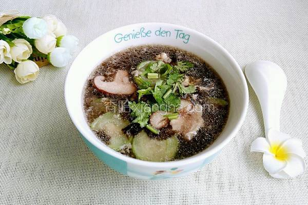 丝瓜紫菜香菇蛋汤