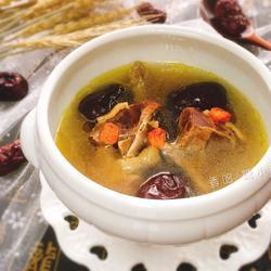 红枣枸杞鸽子汤的做法[图]