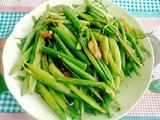 芹菜炒小酥肉片的做法[图]