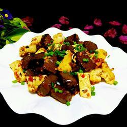 猪血炒豆腐