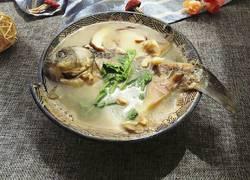 鲫鱼蘑菇汤