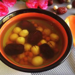 莲子红枣枸杞汤的做法[图]