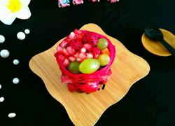 火龙果石榴鲜果盅
