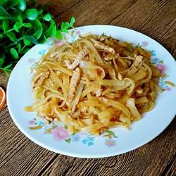 豆芽肉丝焖饼