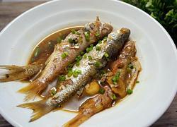 酱油水煮杂鱼