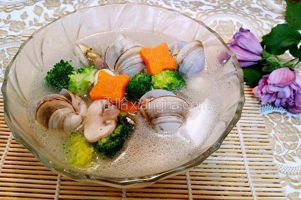 蘑菇豆腐海鲜汤