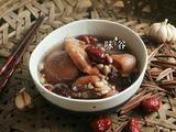 花生猪脚筋汤的做法[图]