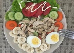 鸡肉蔬果沙拉