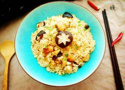 鸡肉蘑菇焖饭