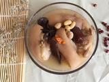 花生黄豆猪脚汤的做法[图]