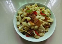 风吹腌肉炒花菜