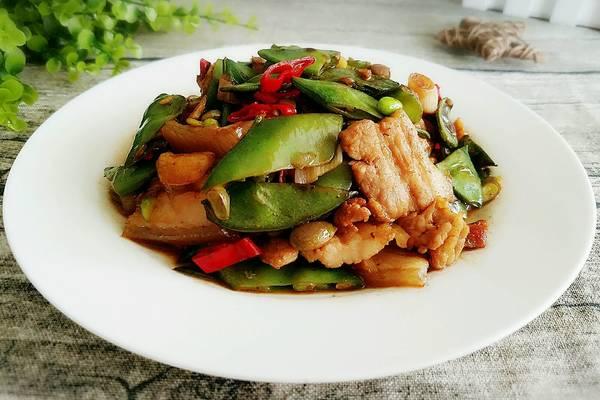 五花肉炒扁豆