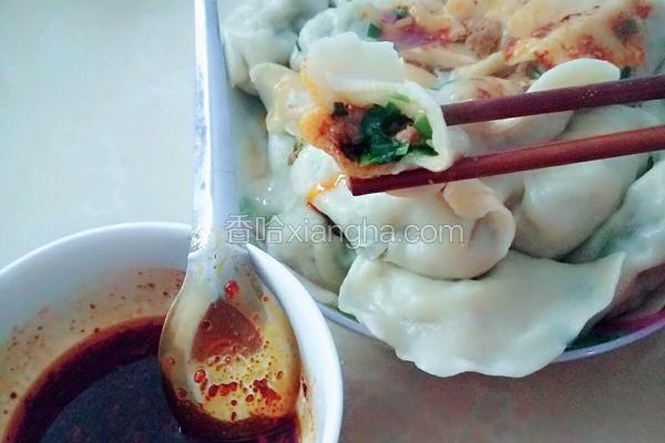 猪肉韭菜手工饺子
