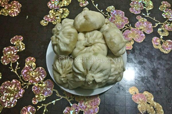 香菇白菜鲜肉包
