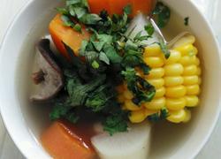 萝卜玉米香菇排骨汤