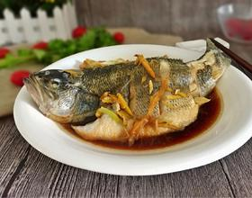 清蒸鲈鱼[图]